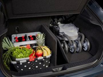 Con el 'Smart Cargo Board' Mazda promete que será más fácil organizar nuestro maletero