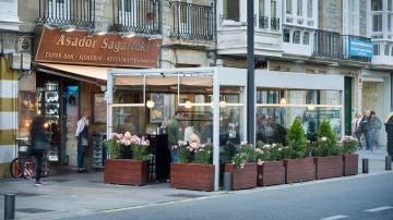 Muere por coronavirus el cocinero del restaurante Sagartoki de Vitoria donde hubo 15 positivos