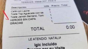 """La historia detrás del ticket que se ha viralizado por su invitación a los """"Héroes sin capa"""""""