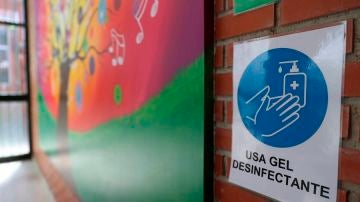Cartel sobre higiene de manos en un colegio de Torrejón