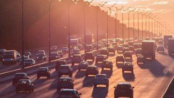 Operación retorno: cómo huir del estrés y la contaminación en los atascos