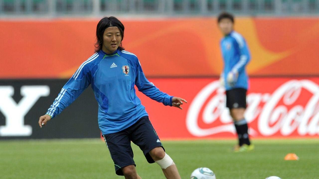La japonesa Yuki Nagasato jugará en un equipo de fútbol masculino