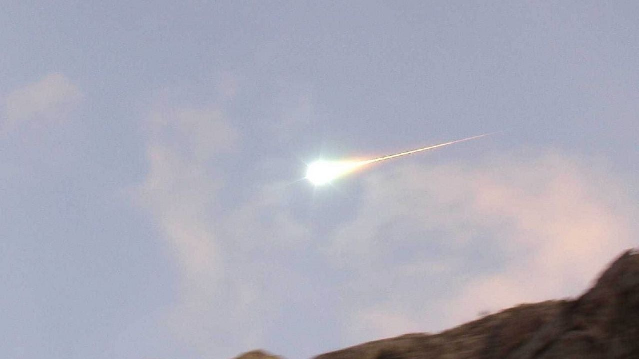 Imagen de archivo de una bola de fuego avistada el 4 de enero de 2004 en el occidente de la Península Ibérica