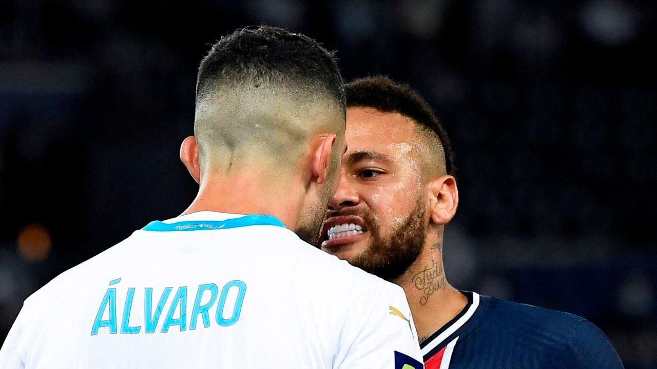 Álvaro González y Neymar