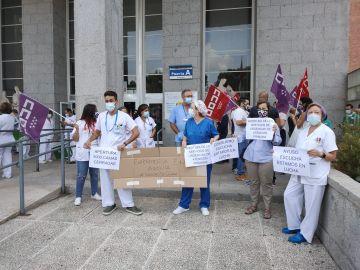 Arrancan las concentraciones de los sanitarios madrileños