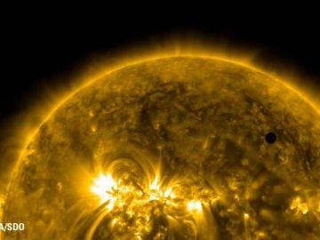 Así es la fosfina, el gas descubierto en Venus: incoloro y con olor a ajo