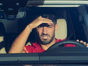 Luis Suárez otea el horizonte