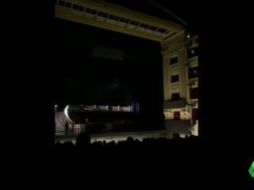 Gritos, abucheos y policías en el Teatro Real durante una función porque no se respetaba la distancia de seguridad