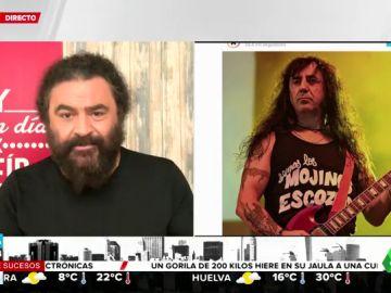 El Sevilla recuerda a 'Chicho', guitarrista de los Mojinos Escozíos, tras su muerte