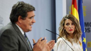 El ministro de Seguridad Social, José Luis Escrivá, y la ministra de Trabajo, Yolanda Díaz