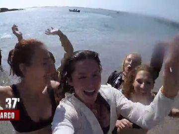 """Así es el desembarco con el que arranca la aventura de las 14 mujeres: """"¡La isla es nuestra!"""""""
