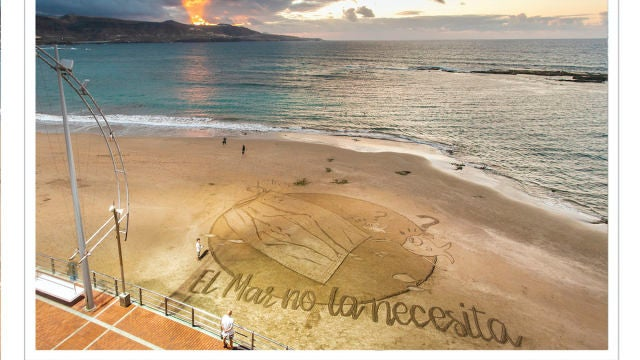 Postal en la Arena: El mar no la necesita