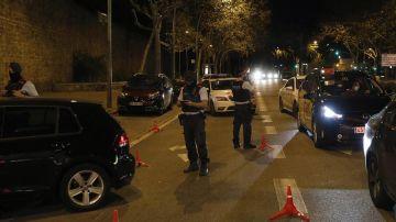 Control policial de los Mossos en Barcelona