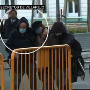 Hallan nuevos documentos en la celda y la casa de Villarejo, incluidos algunos que vinculan al falso cura que asaltó la casa de Bárcenas y la operación Kitchen