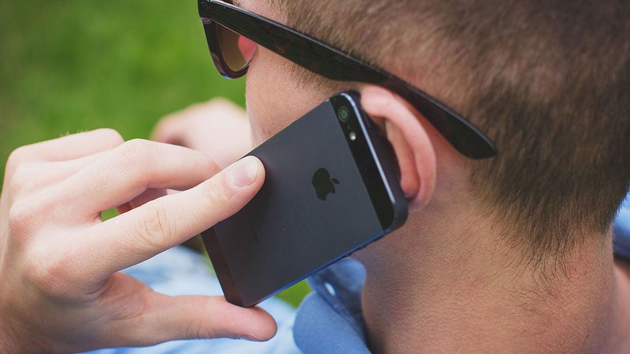 Cómo ocultar tu número de teléfono cuando llamas desde el iPhone