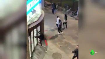 El vídeo del saqueo a una tienda deportiva durante los disturbios en Barcelona