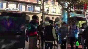 Jóvenes de Logroño salen a la calle para limpiar y arreglar los destrozos provocados por los disturbios