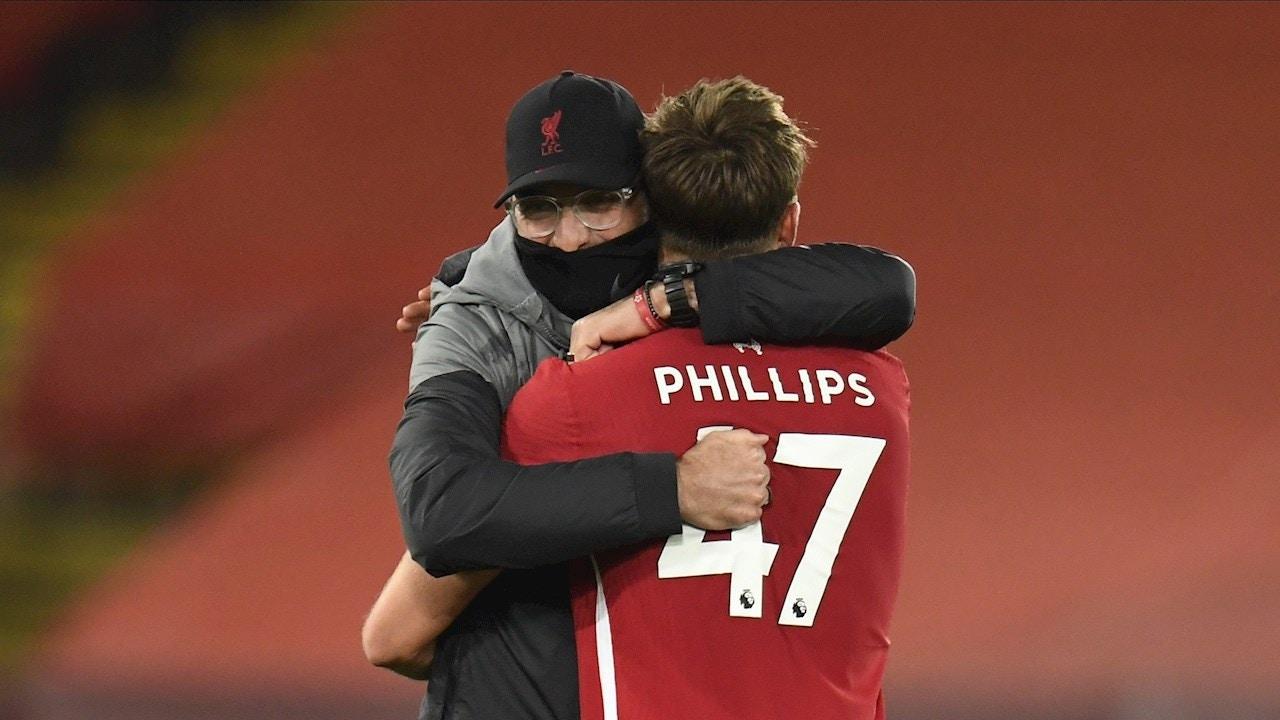 Klopp se abraza a Phillips