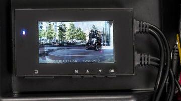 Hay que tener especial cuidado sobre en qué condiciones instalamos una cámara de vigilancia en nuestro coche