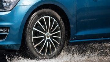 Neumático de lluvia