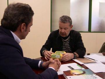 Chicote muestra a la Junta de Extremadura que una empresa con el certificado suspendido está vendiendo huevos ecológicos