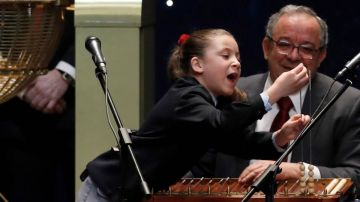 """Lotería de Navidad 2020: Aya, la niña del colegio San Ildefonso que emocionó a España con sus """"mil euros"""""""