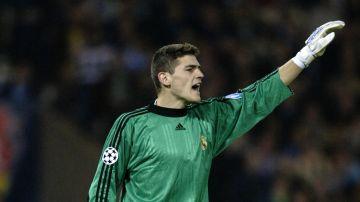 Iker Casillas, con el Real Madrid en 2002