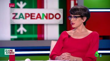 La reacción de Thais Villas en directo al descubrir que Cristina Pedroche se limpia por delante con el papel higiénico