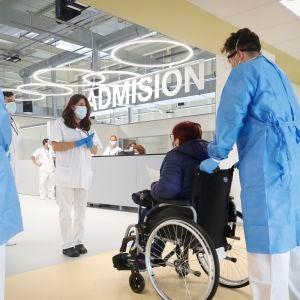 La primera paciente llega al Hospital Isabel Zendal