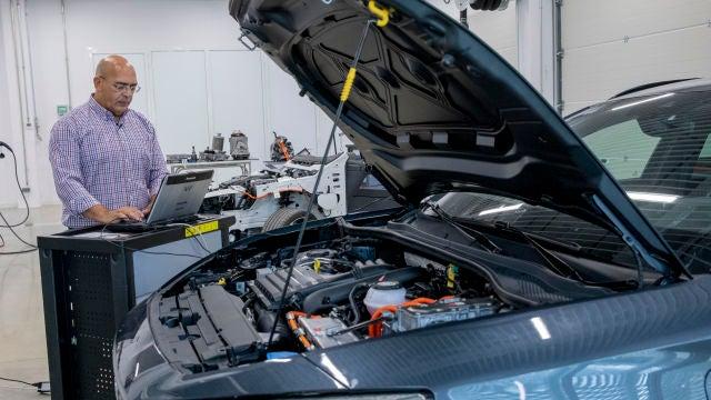 Con el crecimiento del coche eléctrico, las dudas sobre este tipo de vehículos empiezan a aflorar