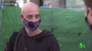 Cómo ligar con una mascarilla de por medio: así explican los españoles sus tácticas a Pablo Ibarburu en plena pandemia