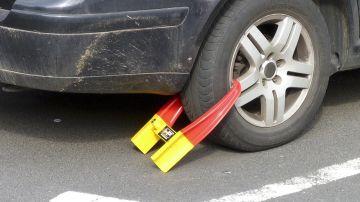 Si bien no supone pérdida de puntos, esta infracción puede costarte una multa y un sobrecoste importante