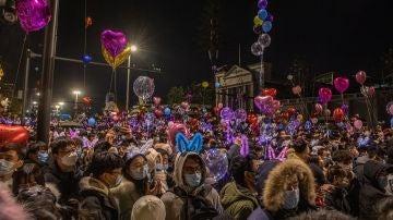 Wuhan despide el 2020 con aglomeraciones y fiestas multitudinarias en plena pandemia del coronavirus