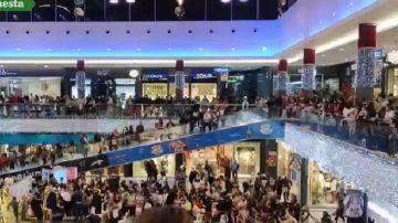 Aglomeraciones en un centro comercial