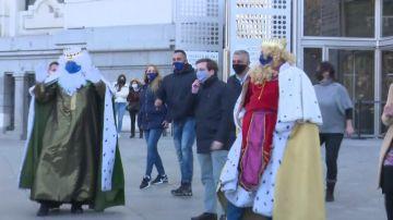 El baile de Almeida y Andrea Levi con los Reyes Magos a ritmo de 'Jerusalema'