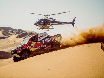 Nasser Al-Attiyah encadena tres victorias en el rally Dakar