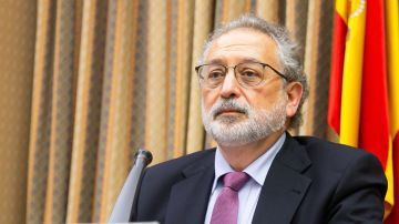 El doctor Daniel López Acuña en una imagen de archivo del Congreso
