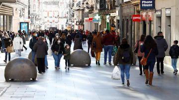 Una calle céntrica de Madrid en el inicio de las rebajas de enero.