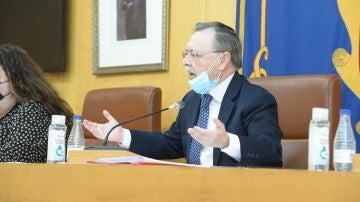 Juan Vivas, durante un pleno de la Asamblea de Ceuta