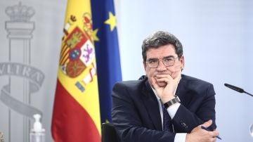El ministro de Inclusión, Seguridad Social y Migraciones, José Luís Escrivá, durante una rueda de prensa posterior al Consejo de Ministros, en la Moncloa, Madrid
