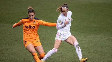 Asllani, en una acción contra el Valencia
