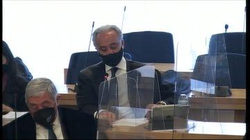 El abogado del PP, Jesús Santos, durante la apertura del juicio por la Caja B