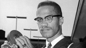Retrato del activista político estadounidense y líder radical de derechos civiles Malcolm X, en 1964