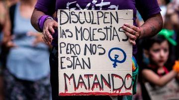 Manifestación contra los feminicidios en Argentina