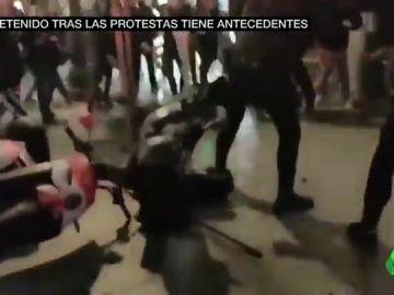 Imágenes de la agresión a una agente
