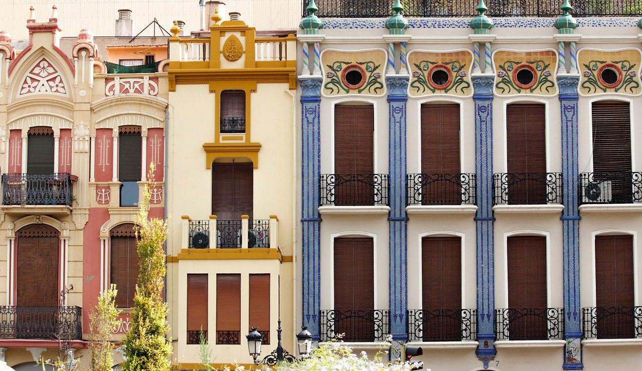 Edificios modernistas en la Plaza de la Independencia, Castelló