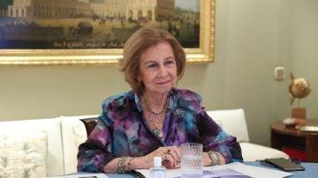 La reina Sofía vuelve a ponerse su anillo de compromiso en un acto oficial