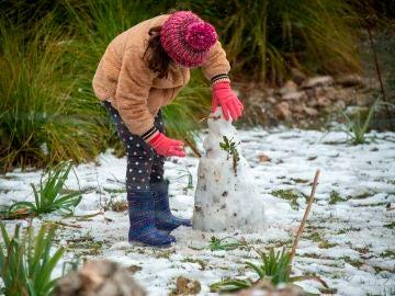 La nieve cubre Puig Major de blanco