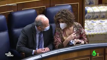"""Vídeo manipulado - María Jesús Montero, al ministro de Justicia: """"Al que tenga dinero en Portugal le tienen que sentar en el banquillo"""""""