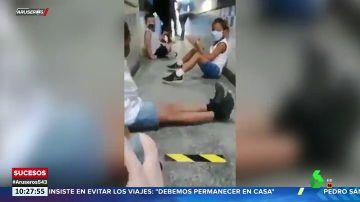 El vídeo de una profesora explicando a sus alumnos dónde protegerse durante un tiroteo en Brasil